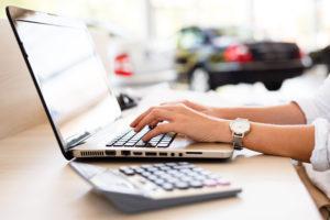 Versicherung und Finanzierung im Autohaus Keglovits